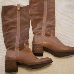 BCBG leather and suede boots 7.5